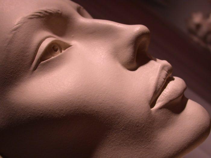 Belleza, complejos y cirugía estética. El ejemplo de la rinoplastia.